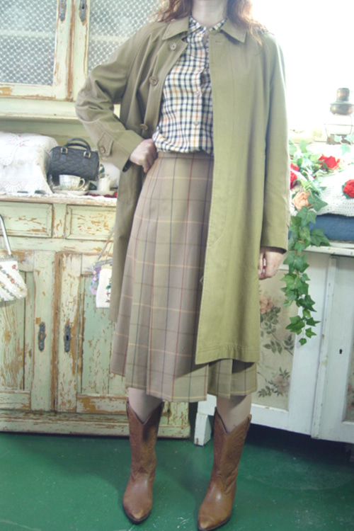 classic BURBERRY  limited   trenchcoat  (LONDON)