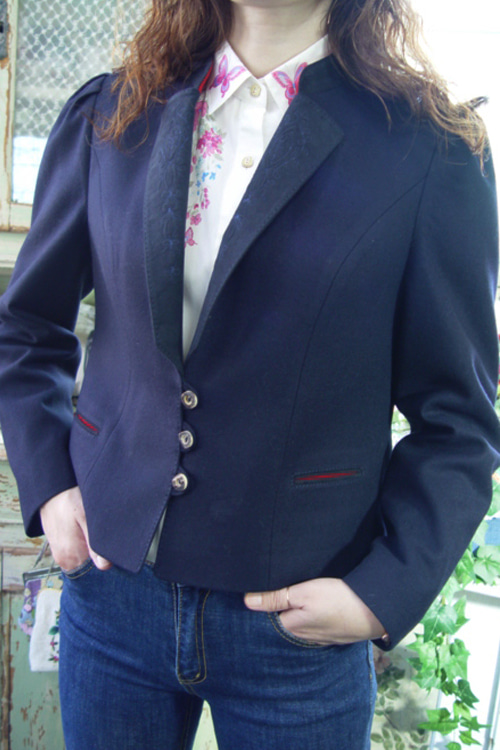 antique  navy  wool  jacket  red point   (europe)