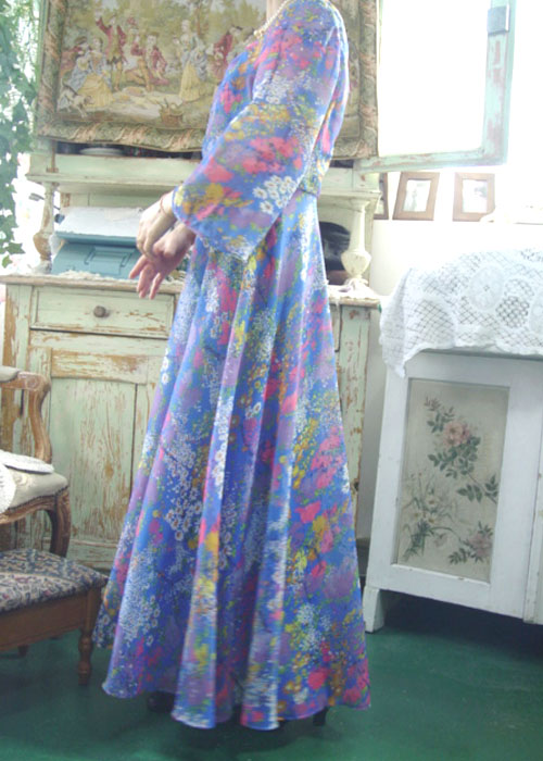 The blue in....vintage Chiffon   dress (Europe)