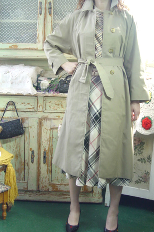 everyday Burberrys single trench coat (england) )