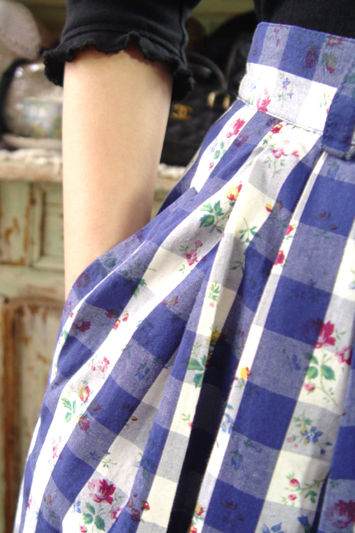 Romantic   Provence open  button  vintage skirt (europe)