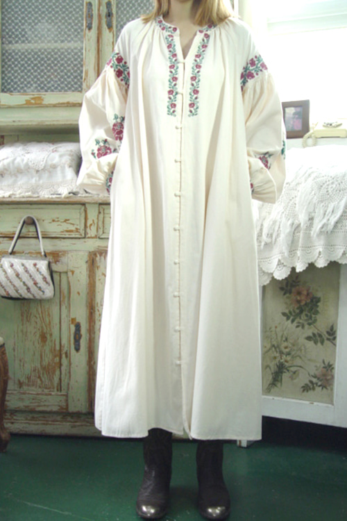 antique  ivory  embroidery  dress