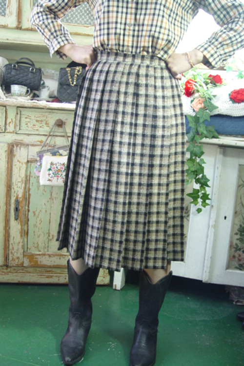 BURBERRYS  classic silk & wool  skirt