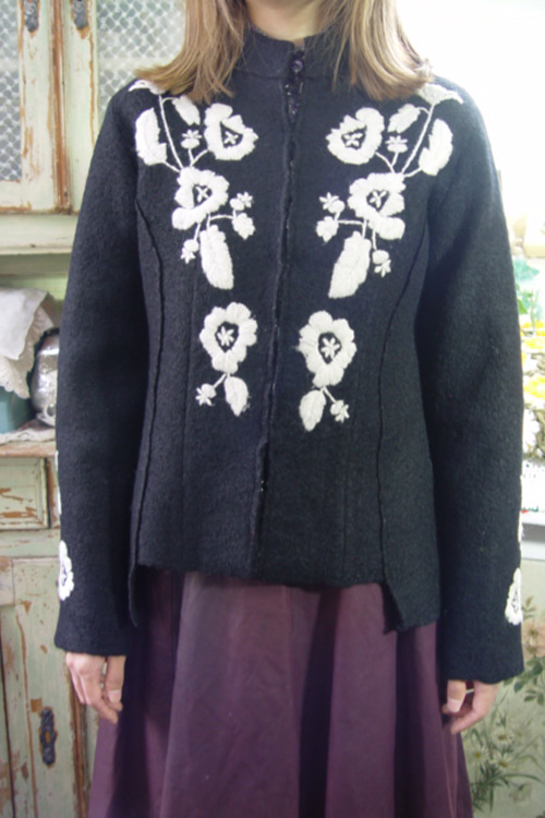 antique  embroidery  wool  jacket (europe)