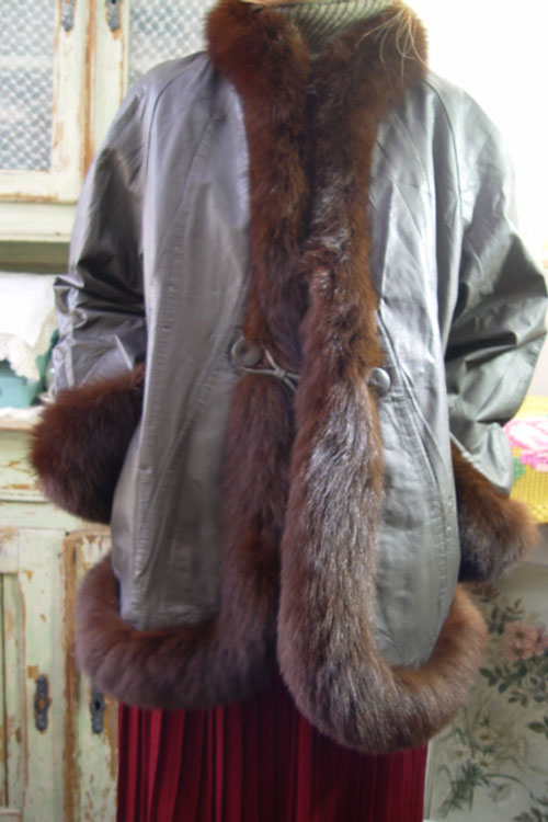VINTAGE Laether  fox coat