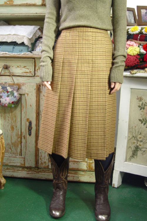vintage wool cheak skirt