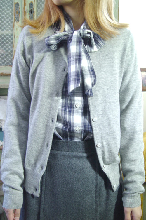 Gray wool& cashmere   knit cadigan