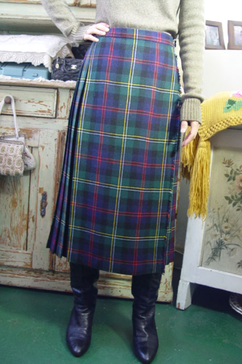 vintage tartan  wool wrap skirt (SCOTLAND)