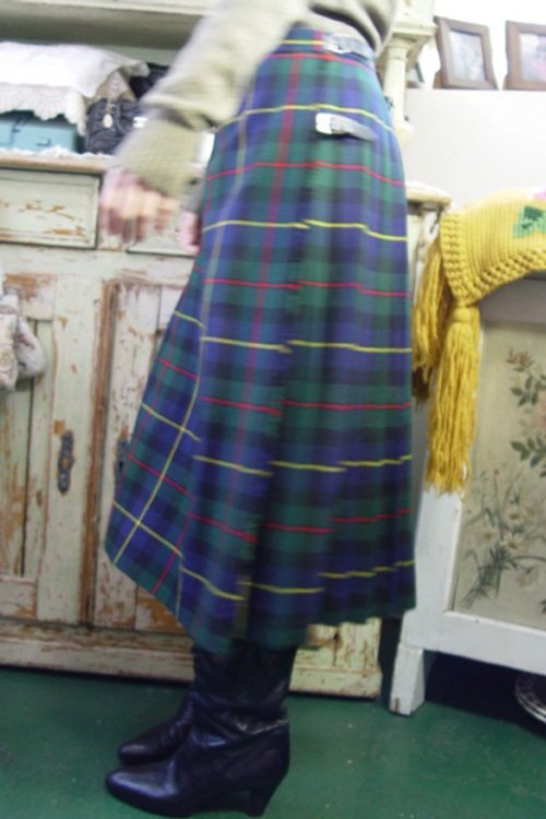 vintage wool wrap skirt (scotland)