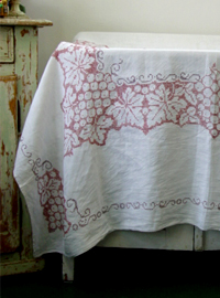 grape embroidery (Great Britain )