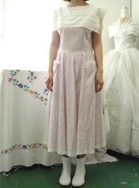 Gorgeous in....GUNNE SAX (usa)