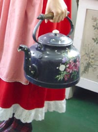 French hand painting  Kettle (France)