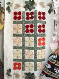 Quilt  hanging  flower  pattern motive