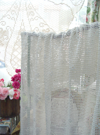 Provence in ...romantic crocher creamy  hand  blanket