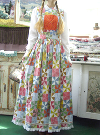 romantic cinema in.....gorgeous  layering  dress (USA)