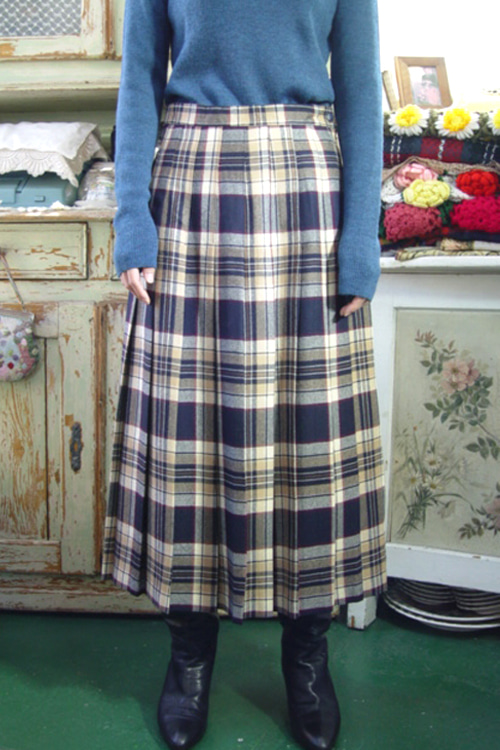classic  check  vintage Wool pleats   skirt  ( scotland   )