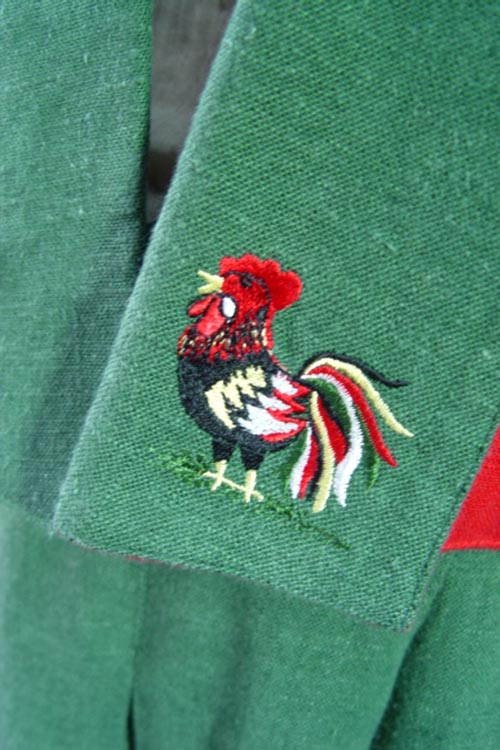 Linen vintage  embroidery chicken  jakat   (Europe)